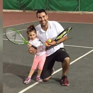 אריאל בית ספר לטניס